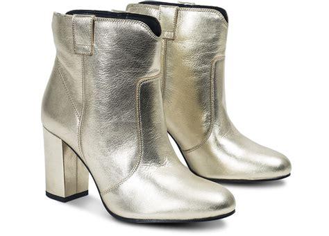Des Chaussures Tendance à Nos