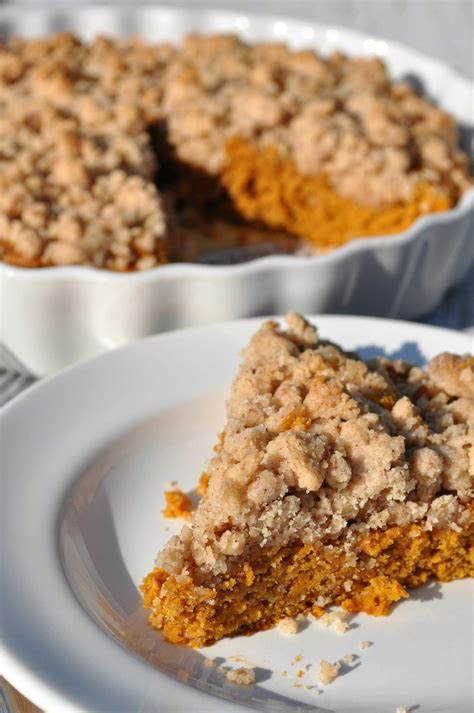easy streusel coffee cake recipe dishmaps