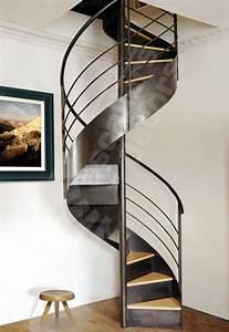 Escalier En Colimaçon : escalier en colima on structure en m tal marche en ~ Mglfilm.com Idées de Décoration