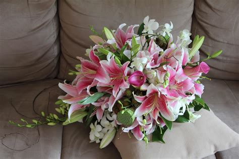 wedding lillies tracey jack s wedding blooms by bethan
