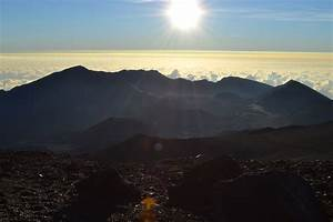 HALEAKALA AT DAWN: A MUST DO IN MAUI • HOUSE OF WEND