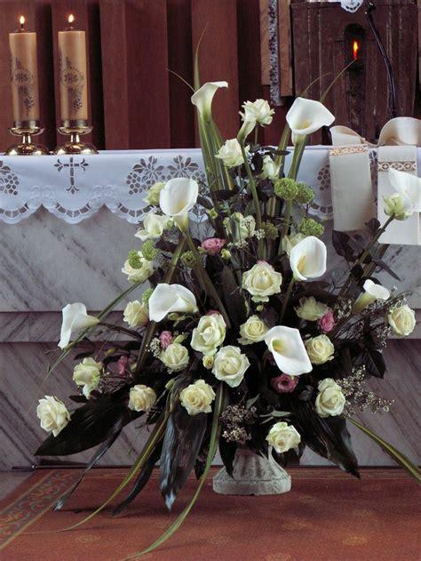 church wedding flower arrangement   calla lilies