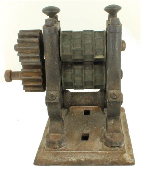 antique victorian l collier son candy roller press mold