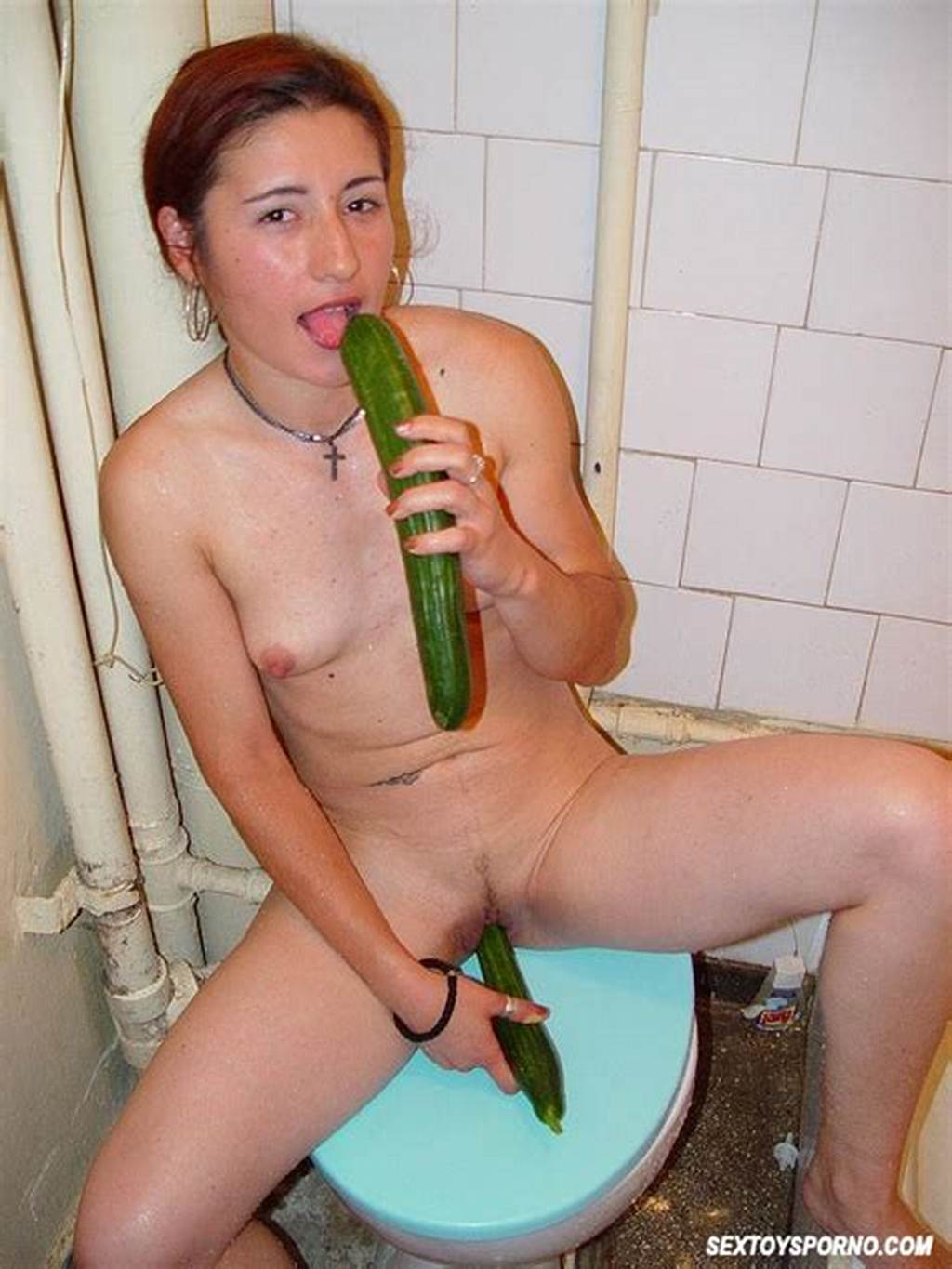 #Amateur #Teen #Toying #Pussy #At #Shower #3411