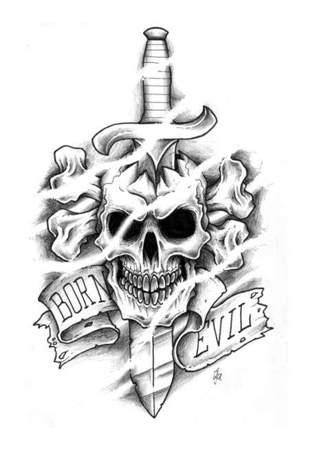 40+ Traditional Skull Tattoos – Old School Skull Tattoo