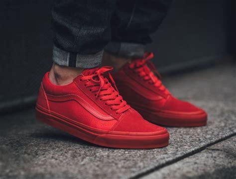 Best 25+ All red vans ideas on Pinterest | Kendall jenner twitter Black slip on sneakers outfit ...