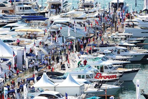 Big Boat Show In Florida by Boat Shows Mix Boats Seafood And Live