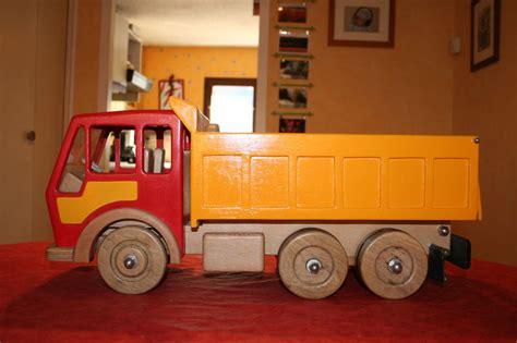 camion en bois 2009 sacha les idées folles de pépé la
