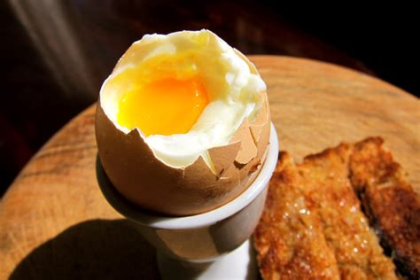 How to boil a perfect soft boiled egg