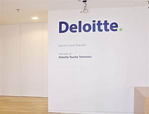 Demontáž práce v kancelářských prostorách