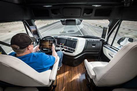 freightliner interior model 世界で初めて商用の自動運転トラックが公道での走行を認可される gigazine