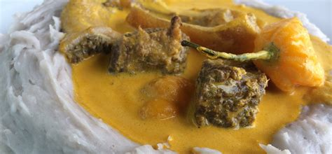 recette de cuisine camerounaise taro et sauce jaune un met qui fait la fierté de l ouest