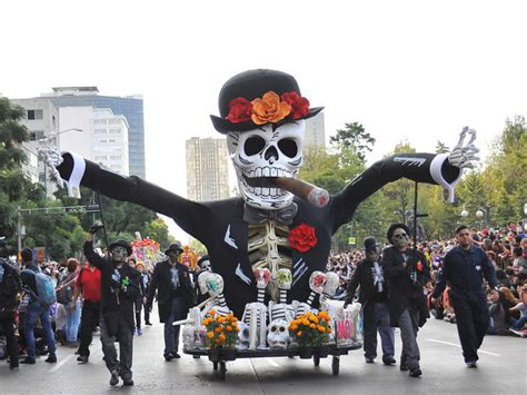 Day of the Dead 2016 - CBS News