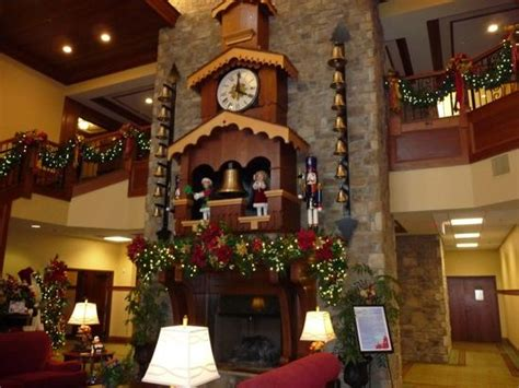 beautiful picture of the inn at christmas place pigeon
