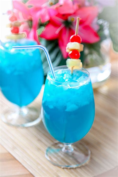 blue hawaiian recipe mmm food in 2019 hawaiian drinks