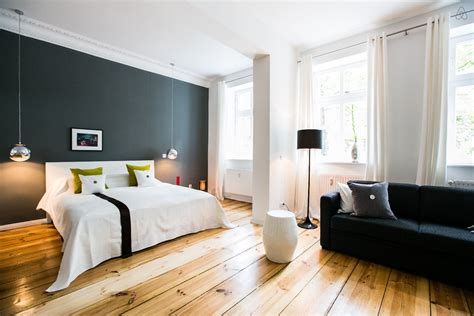 canapé le corbusier studio meublé à berlin à louer