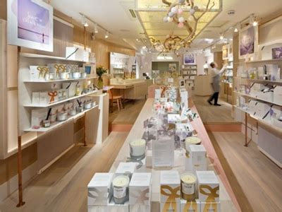 neom opens flagship store