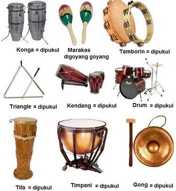 Bende atau disebut canang adalah semacam gong kecil yang. Musik ansambel | Alat Musik Ritmis, Melodis, Harmonis | Pelajarindo.com