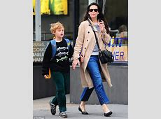 Liv Tyler has that autumnal glow in striped scarf and