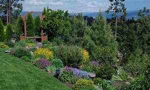 Jardin En Pente Raide : un jardin en pente agencer et am nager un jardin en pente ~ Melissatoandfro.com Idées de Décoration