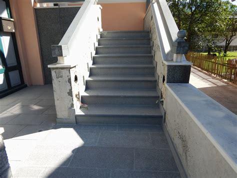 Treppe Außen Stein by Stufen Treppen Stein Stufen Aus Granit Treppe Naturstein