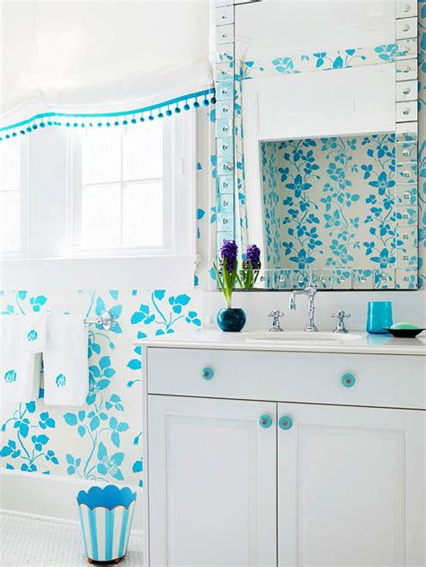 Great Bathroom Colors by Small Bathroom Color Ideas Better Homes Gardens