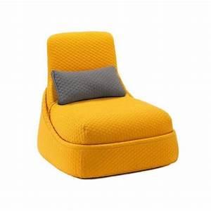 fauteuil convertible lounge hosu par patricia urquiola With tapis jaune avec canapé gentry patricia urquiola
