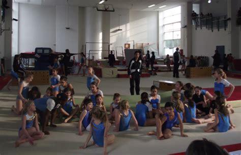 salle sport six fours six fours sport c 233 tait l heure des tremplins avec le club de gymnastique artistique six fournais
