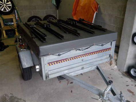 Comment Installer Un Porte Velo Sur Une Voiture by Porte V 233 Los Sur Remorque