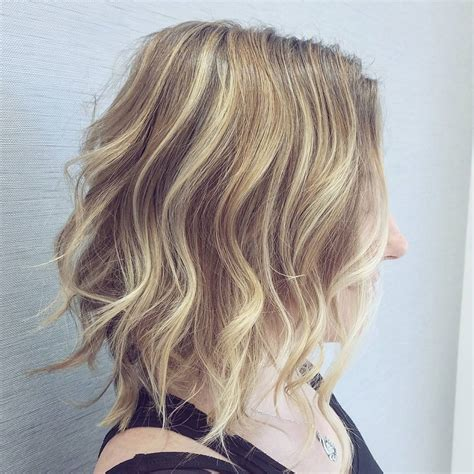 Medium Hairstyles For With Hair by 10 Medium Wavy Hair Styles For Shoulder