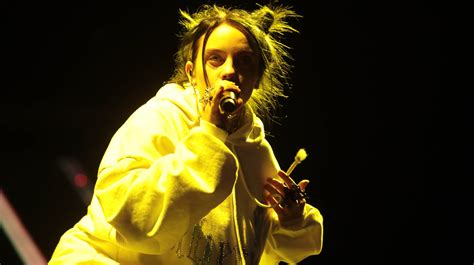 delay billie eilish plays flawed coachella set featuring vince staples