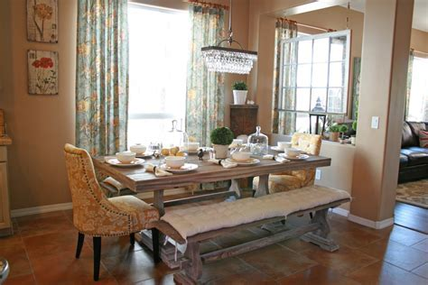 Grand Design: Donnas living and dining room