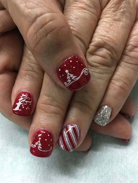 65+ Outlined Coffin Nails
