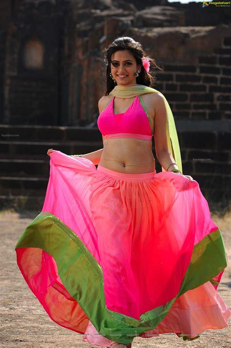 superro ranga heroine kriti kharbanda high definition photos kriti kharbanda high definition image 28 telugu