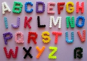 Buchstaben Basteln Vorlagen : buchstaben b gelperlen b gelperlen pinterest ~ Lizthompson.info Haus und Dekorationen