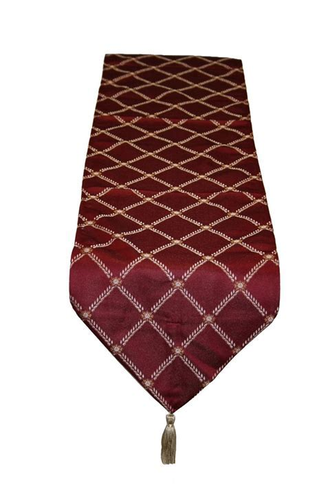 "Diamond Damask Burgundy   13"" x 70"" Table Runner"