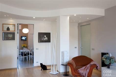 idee ingresso soggiorno separare con il controsoffitto cose di casa