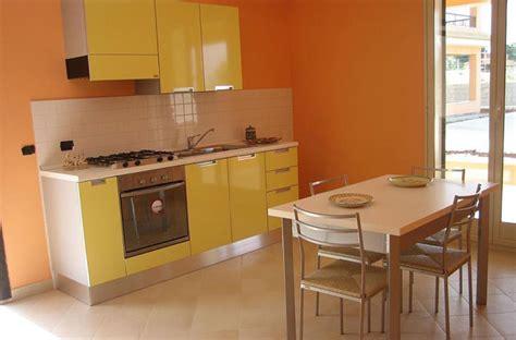 Poltrone Massaggio A Gettoni : Residence Orange Appartamenti Bilocale