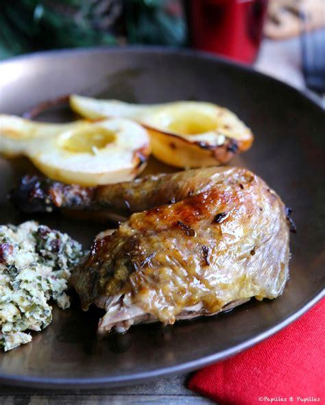 cuisiner le chapon au four chapon de pintade farci rôti au four et poires