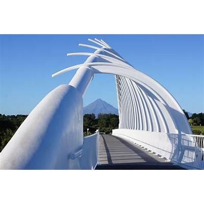 Magi and Sam: Te Rewa Bridge without a cloud in the