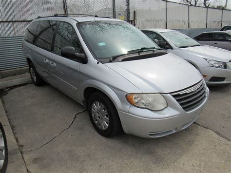 2006 Chrysler Town And Country Parts by 2006 Chrysler Town Country 990 For Sale 500