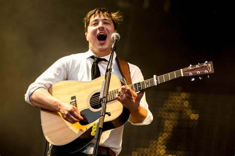 mumford and sons japan mumford sons babel returns to the top of the charts