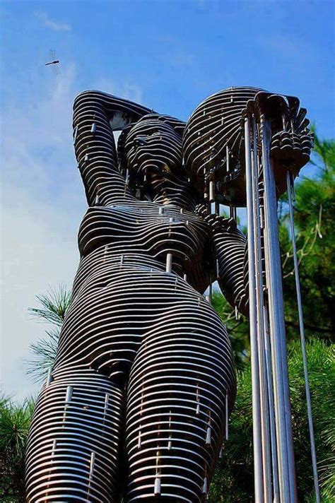 creative sculptures  statues    world