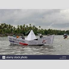 Strange Unusual Funny News Paper Boat In Water During Nehru Trophy Stock Photo 49933909 Alamy