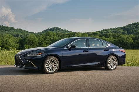gallery  lexus es  automobile magazine