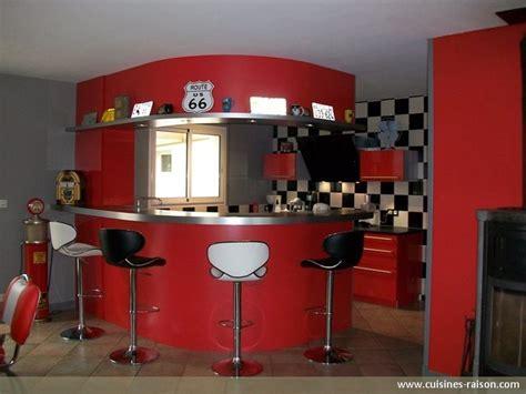photo cuisine retro cuisine en u stratifie fonce savenay 44 cuisines raison
