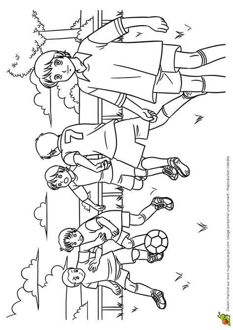 coloriage match de football hugolescargotcom