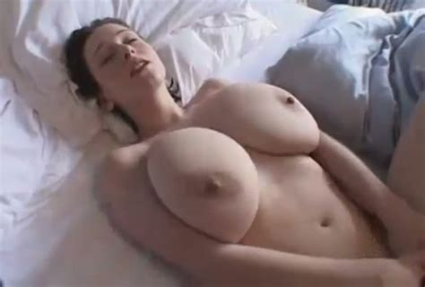I Like Showing Off My Big Tits And Masturbating For