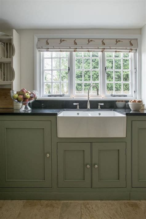 looking for kitchen cabinets best 25 small country kitchens ideas on grey 7178