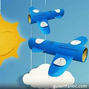 Avión con rollos de papel Juguetes reciclados para niños